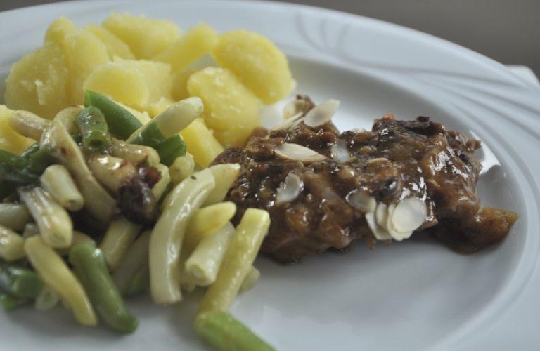 Kurczak w sosie balsamicznym z migdalami